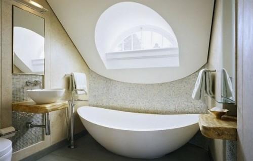 http://cooledeko.de/badezimmer-ideen/badezimmer-im-dachgeschoss-design-idee.html