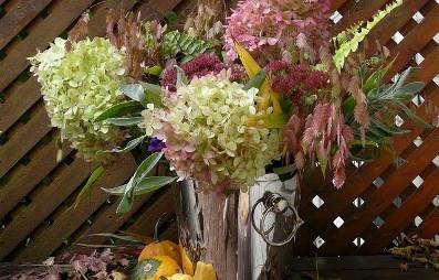 http://guildwoodgardens.blogspot.com/2011/10/fall-bouquet-herbststrau.html