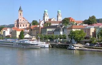 http://de.wikipedia.org/wiki/Passau#mediaviewer/Datei:Veste_Oberhaus_2.jpg